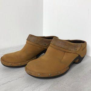 Merrell Luxe Wrap Slip on Shoe in Dune 7.5